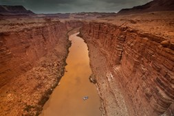 O rio Colorado no Marble Canyon, Arizona (EUA)