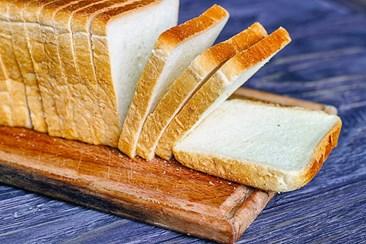 """Resultado de imagem para Preço do pão poderá sofrer """"ligeiras correções"""" em 2020"""