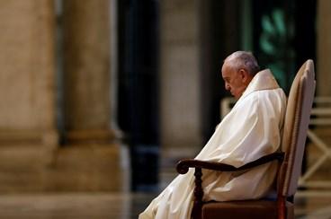 """Ninguém se salva sozinho"""": Papa Francisco faz oração pela ..."""